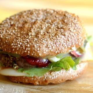 Comfort food: la ricetta per un panino hamburger slow