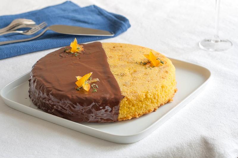 dolce alla farina gialla, olio extravergine, arancia e timo