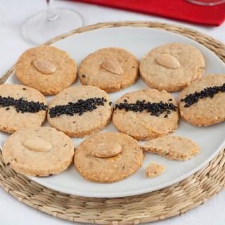 I biscotti salati al parmigiano, timo e sesamo per la mia idea di aperitivo