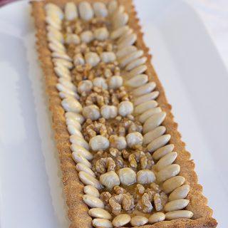 Crostata con frutta secca con frolla di farro