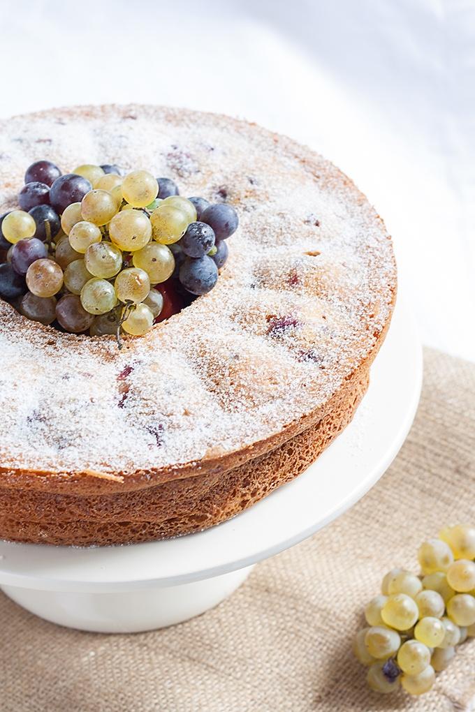 olivenoelkuchen mit trauben