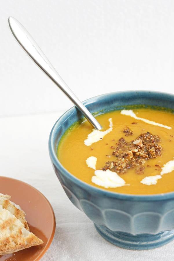 ricetta per velluata di carote e nocciole