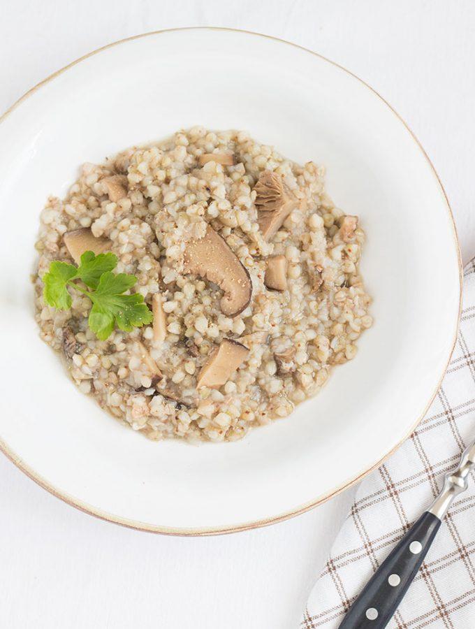Zuppa di grano saraceno con funghi