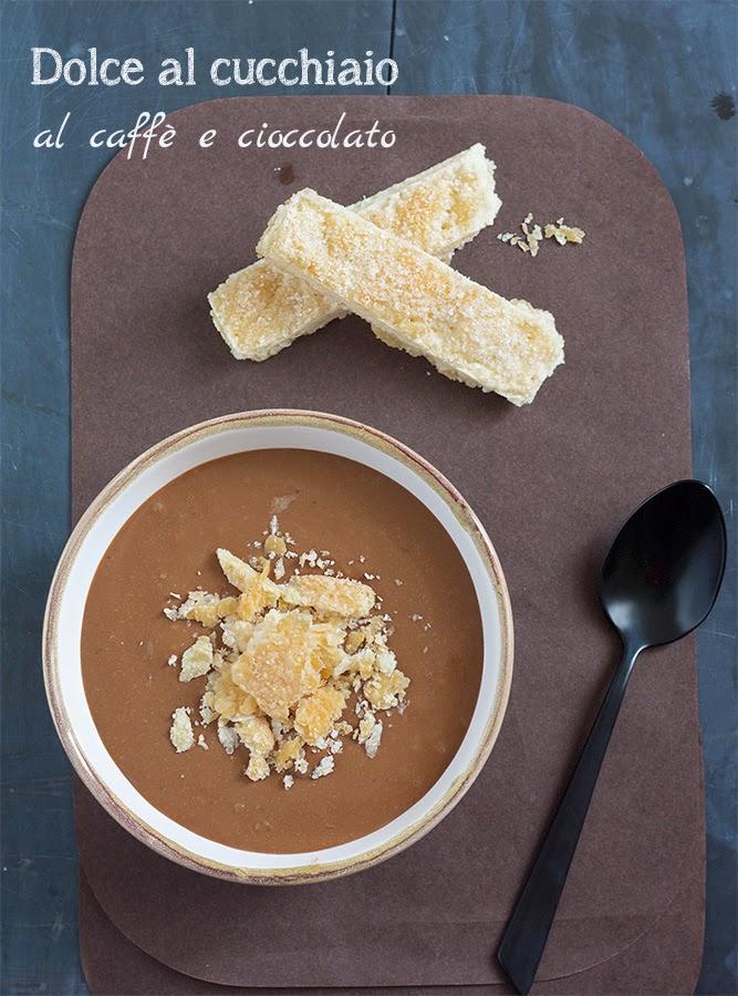 dolce al cucchiaio al caffè e cioccolato