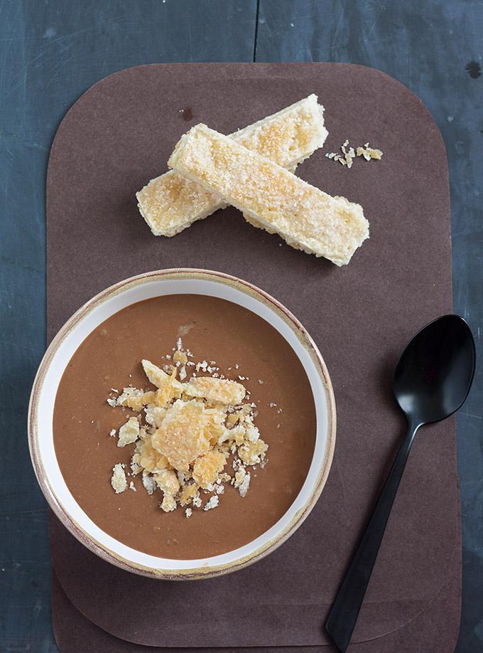 Schoko-Kaffee-Creme mit Blätterteig-Kekse