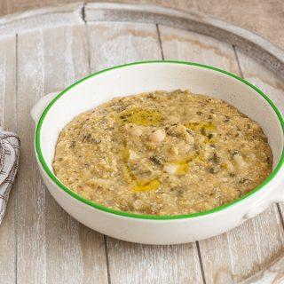 Toskanische Polenta-Suppe mit Palmkohl