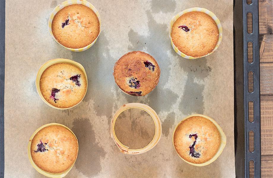 Muffin con uva e olio extravergine