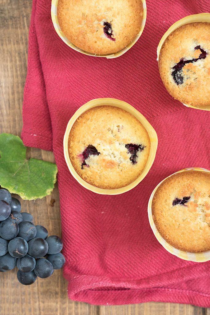 trauben-muffins mit olivenöl