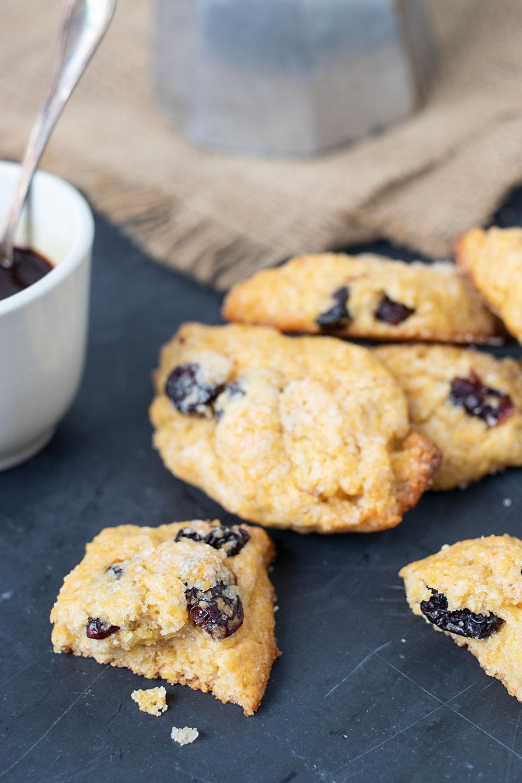 ricetta biscotti farina di mais e passito